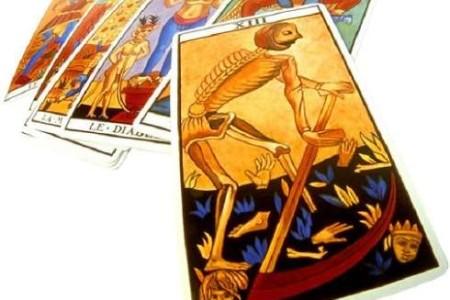 Echar las cartas, meditar con el Tarot