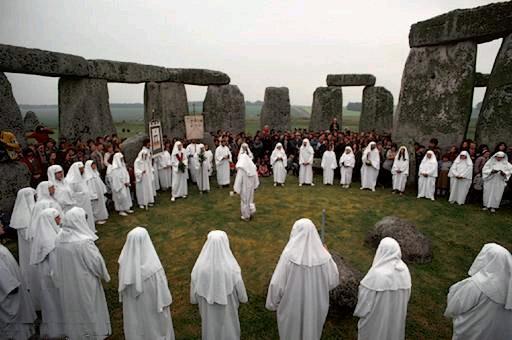 Druidas en Stonehenge